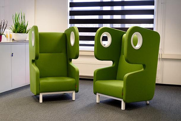 MJK Advies - Altijd tijd voor advies aan het MKB - Ontvangstruimte groene stoelen